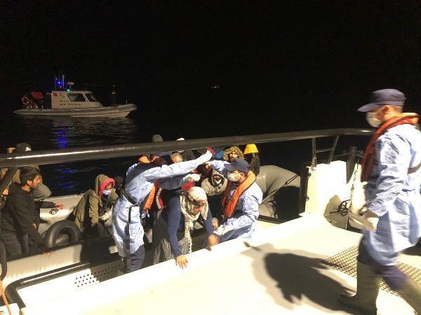 İzmir açıklarında kaçak göçmen operasyonu