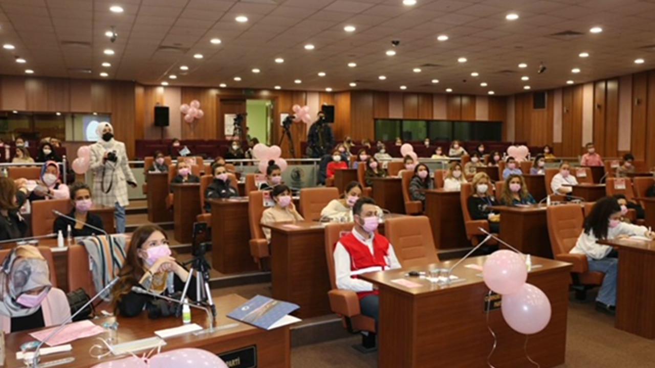 Kartal Belediyesi'nin kadın personeline ''Meme Kanseri Bilinçlendirme Semineri''