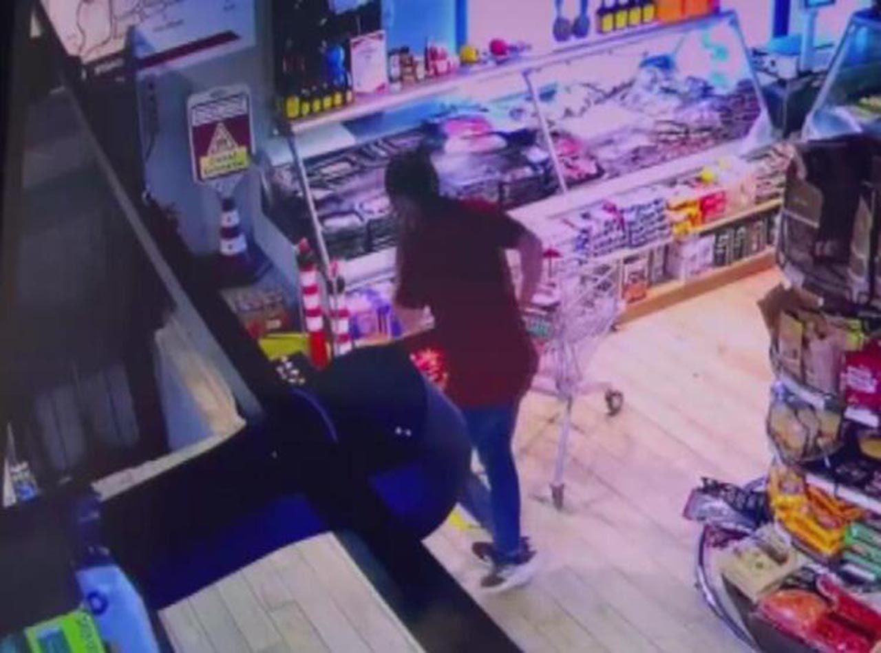 Markette alışveriş yaparken hayatının şokunu yaşadı - Resim: 1