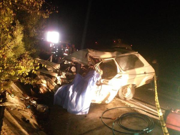TIR ile otomobil kafa kafaya çarpıştı: 1 ölü