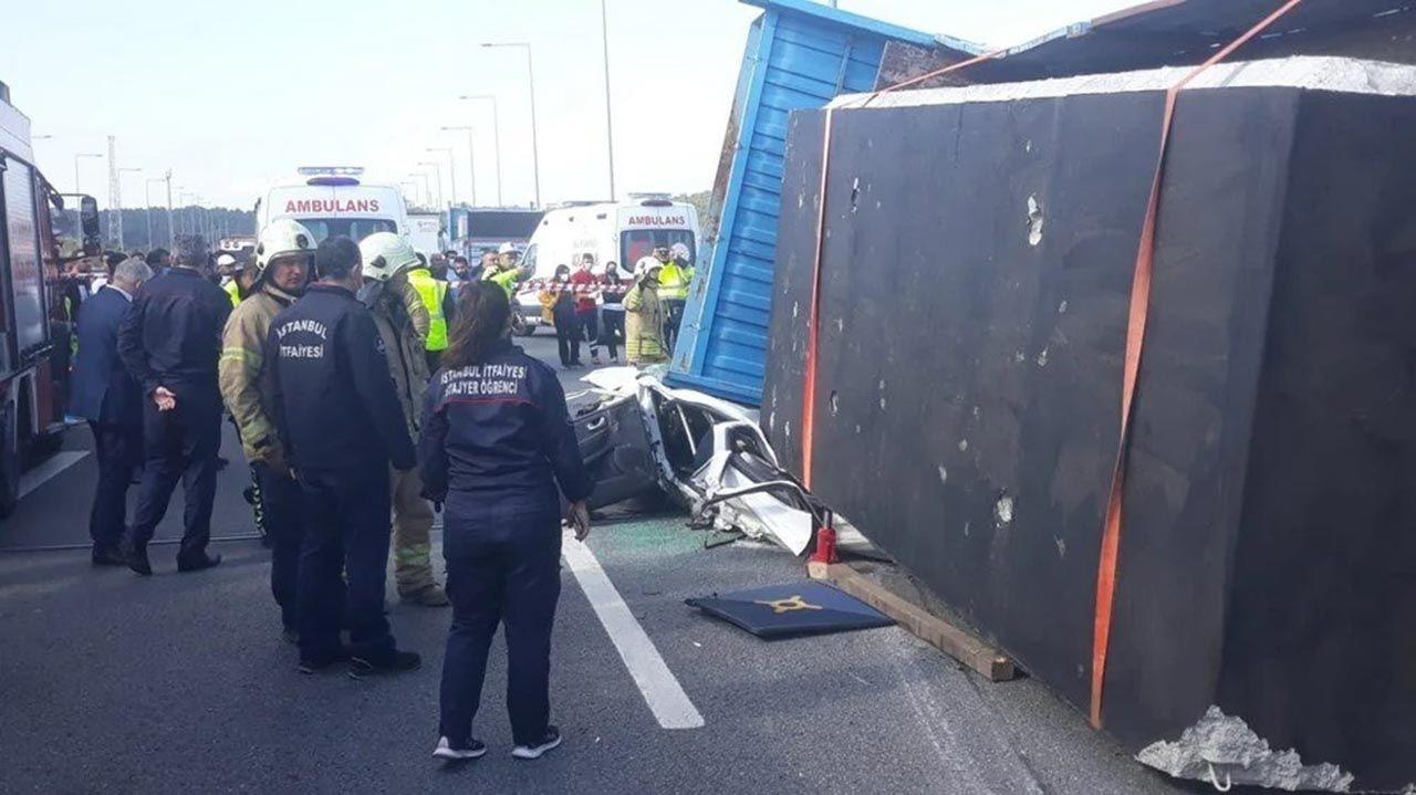 Kuzey Marmara Otoyolu'nda korkunç kaza: TIR otomobili kağıt gibi ezdi - Resim: 3