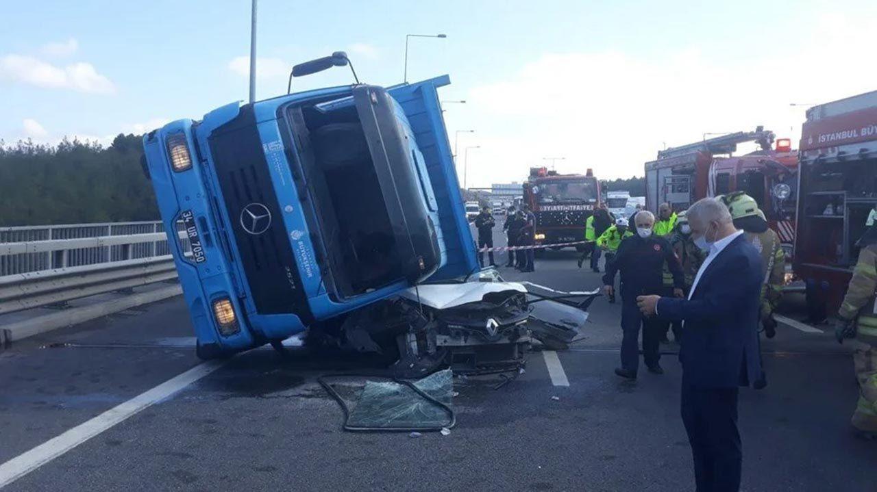Kuzey Marmara Otoyolu'nda korkunç kaza: TIR otomobili kağıt gibi ezdi - Resim: 2
