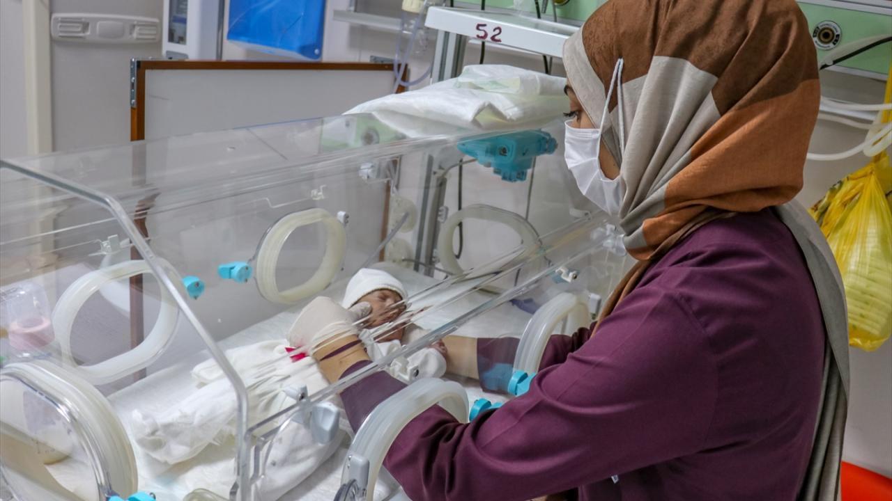 Koronavirüse yakalanıp hayatını kaybeden annenin bebeği kurtarıldı