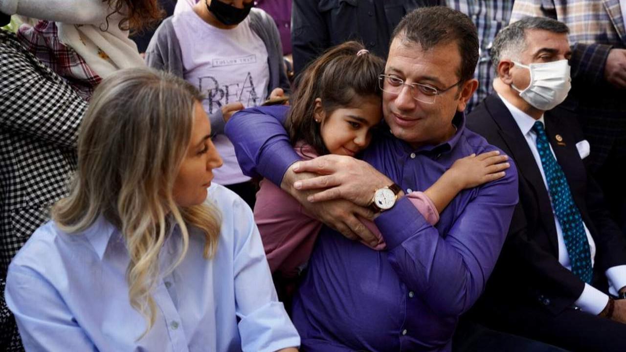 Elazığlı depremzede isyanını İmamoğlu'yla paylaştı: ''Kendi ülkemde açım''