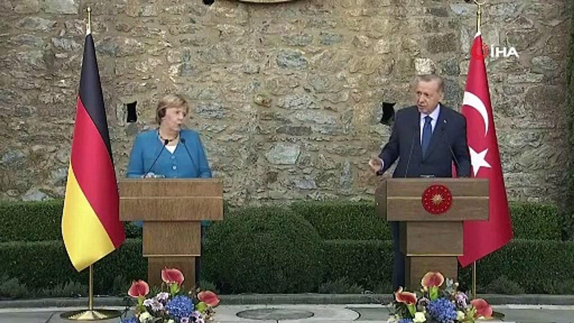 Erdoğan ile Merkel arasında dikkat çeken ''başkanlık'' sistemi diyaloğu