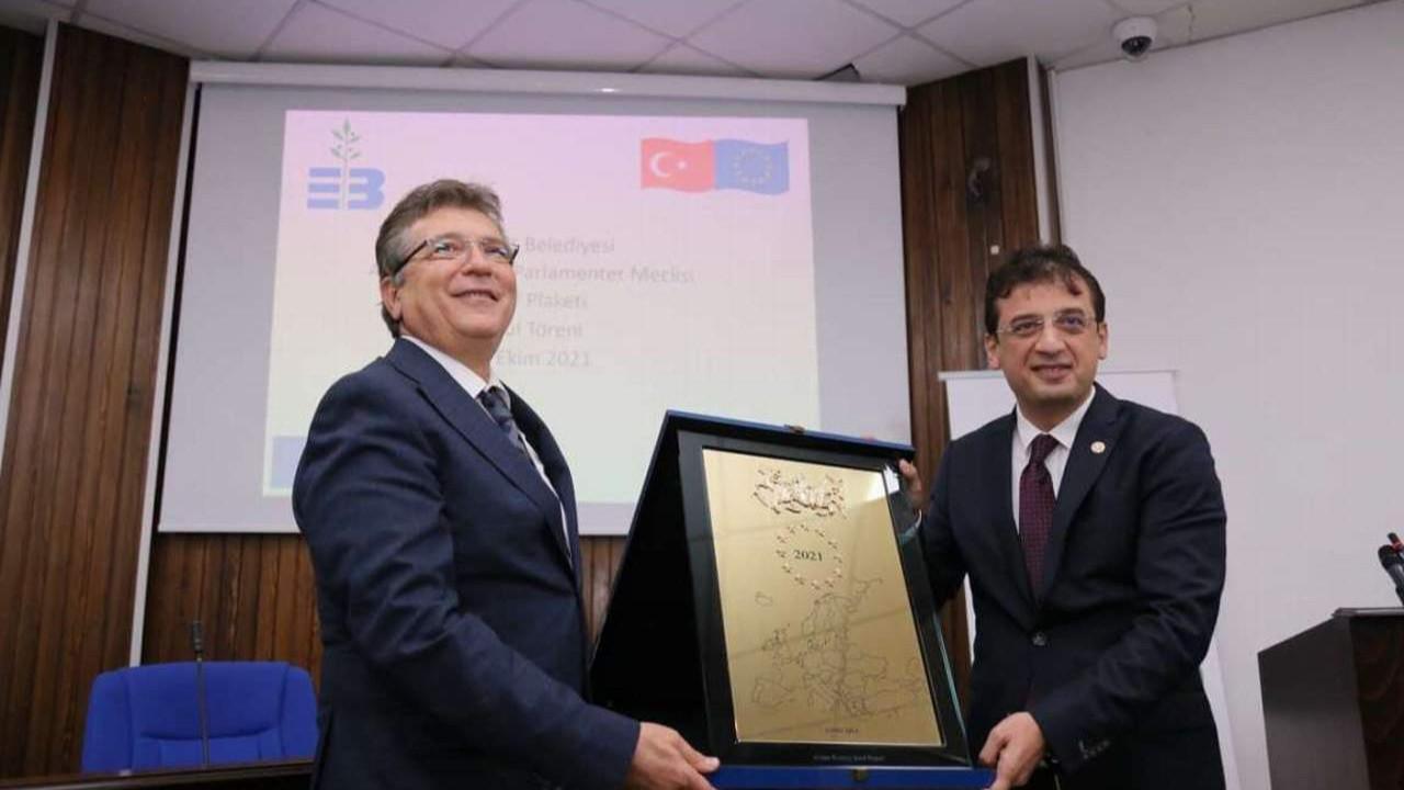 Edremit Belediyesi Avrupa Şeref Plaketini aldı