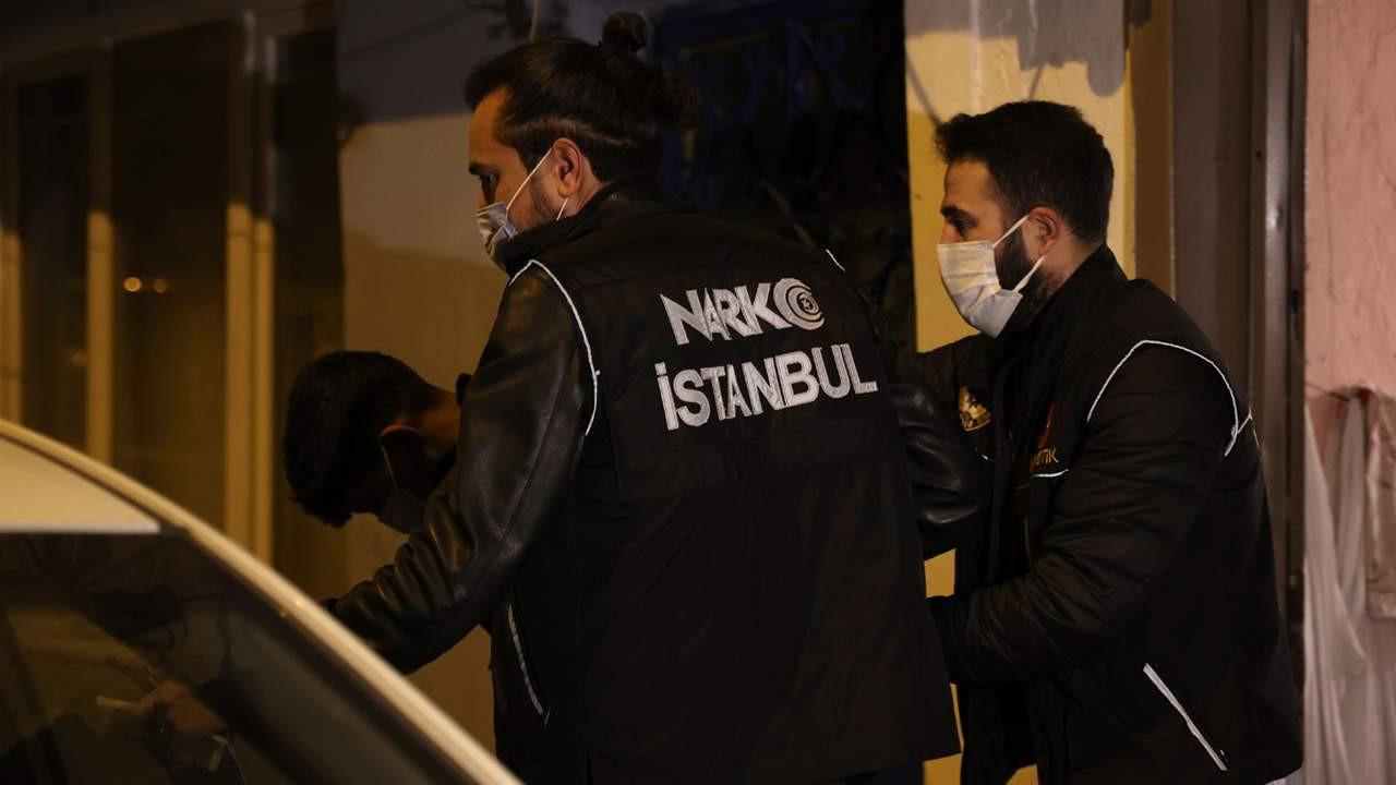 İstanbul'da zehir tacirlerine şafak baskını