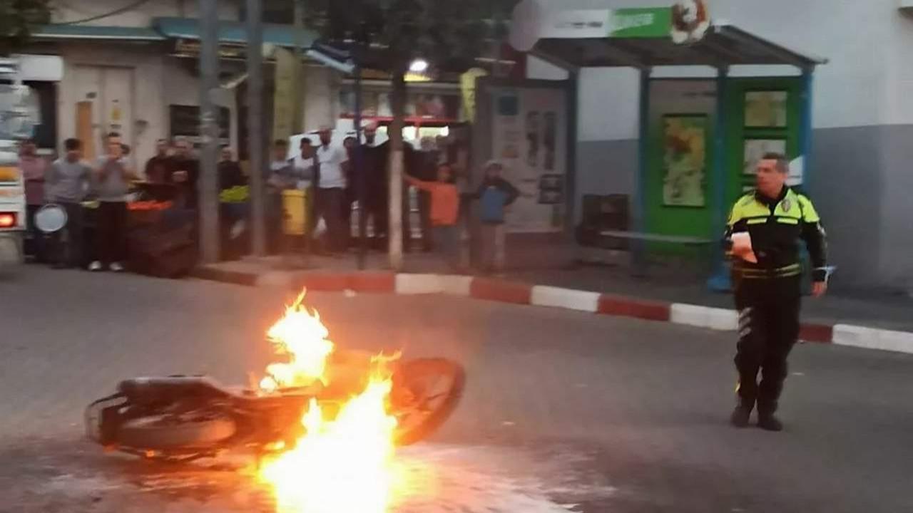 Trafik cezası kesilen sürücü, aracını ateşe verdi