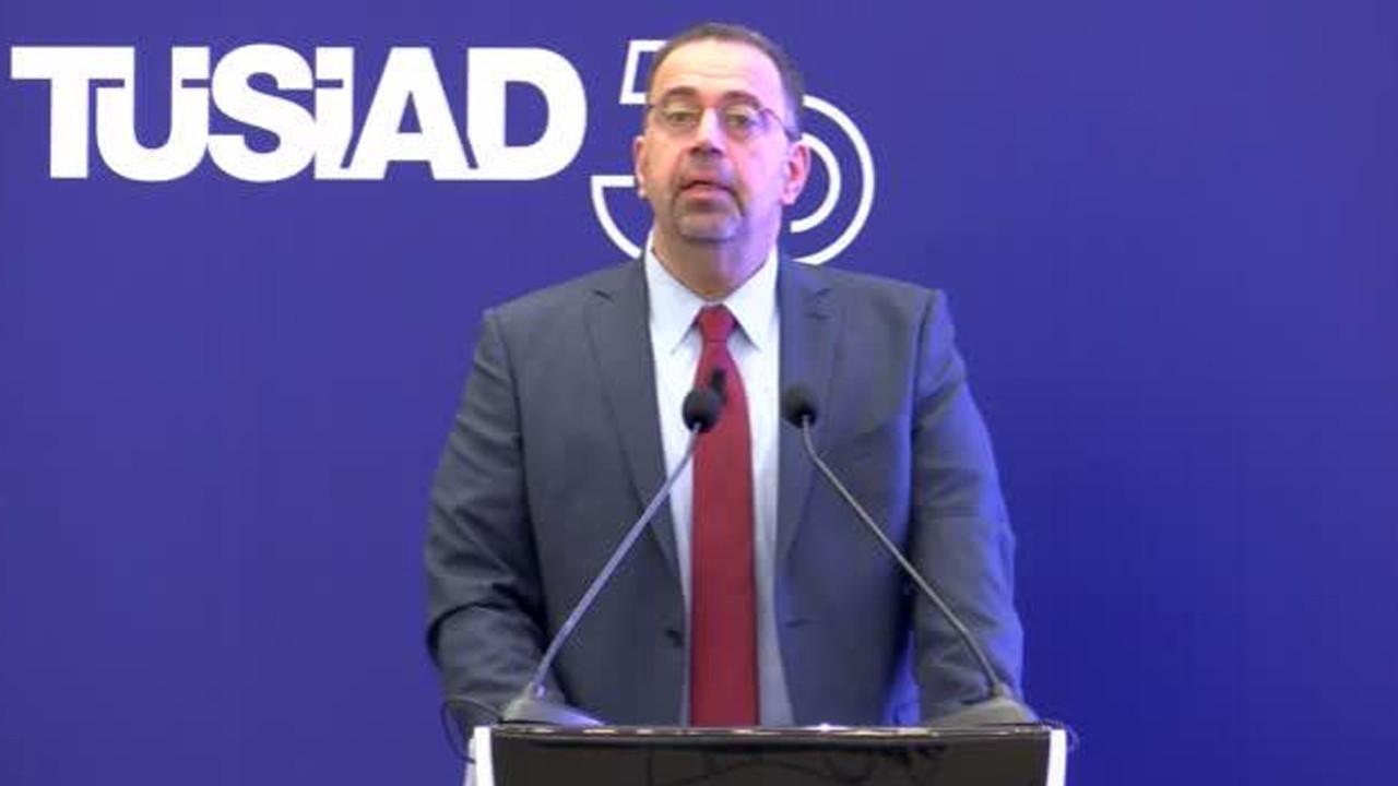 Ekonomist Daron Acemoğlu'ndan diktatör çıkışı