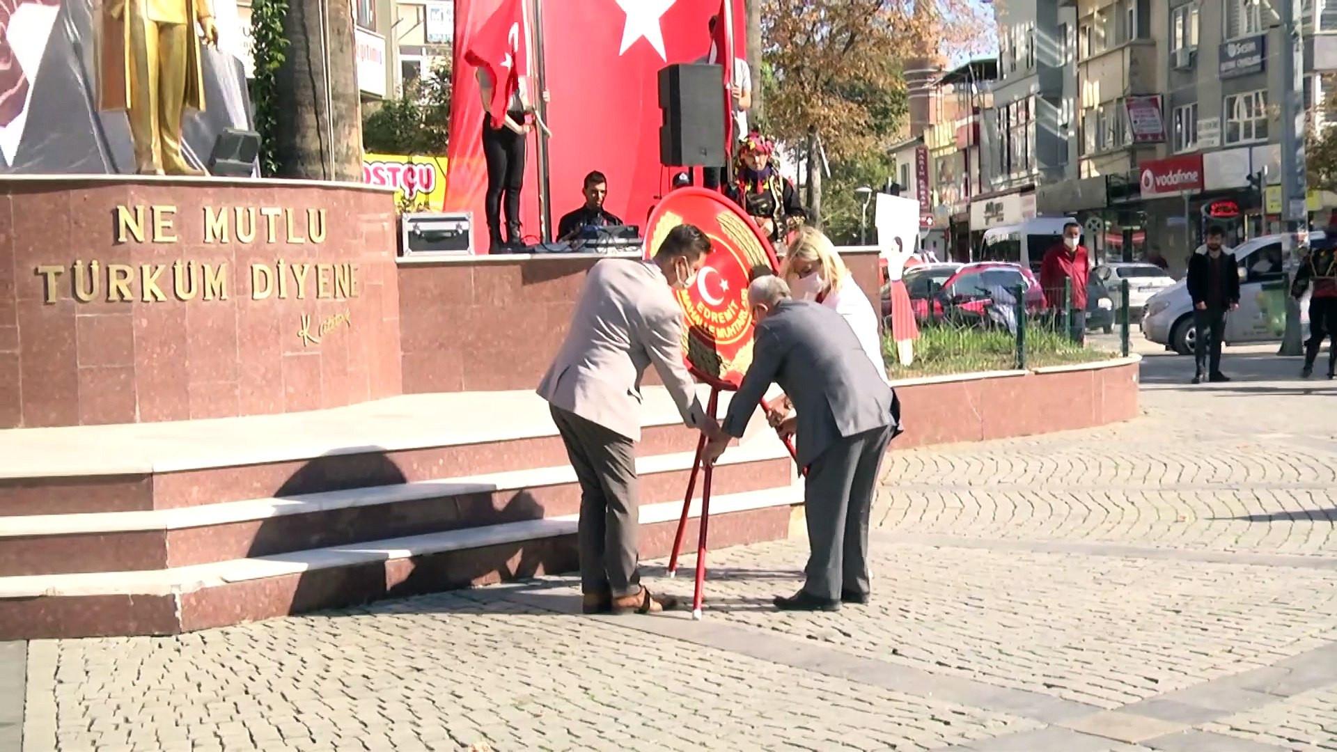Edremit'te 19 Ekim Muhtarlar Günü kutlandı