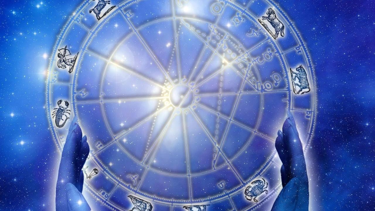 Ünlü astrologtan canlı yayında 2022 kehaneti