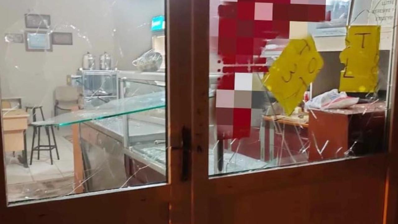 Taciz iddiası mahalleyi karıştırdı! Dükkanı basıp linç etmeye kalktılar
