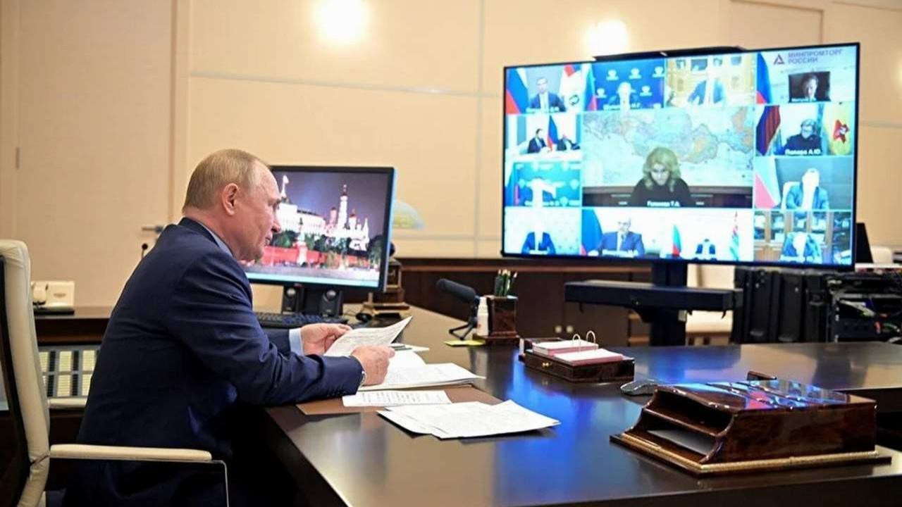 Putin açıkladı; Rusya salgına karşı yeniden tam kapanmaya geçiyor