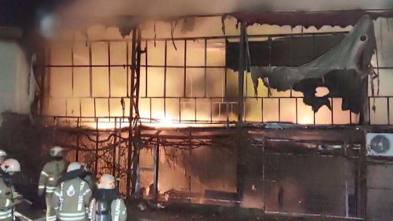 İstanbul'da korkutan yangın! Bin metrekarelik lokal küle döndü