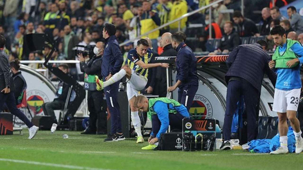 Mesut Özil'den oyundan çıkarkenki tepkisiyle ilgili ilk açıklama