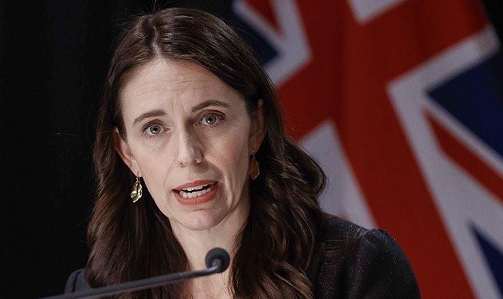 Başbakan basın toplantısında neye uğradığını şaşırdı