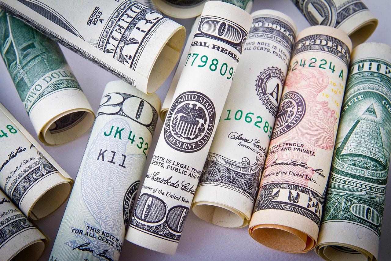 Piyasalar baş döndürüyor! Dolar, euro ve altın düşüşe geçti