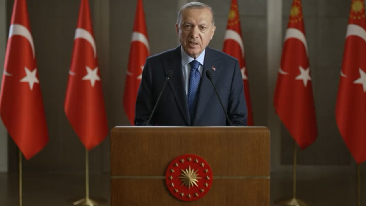 Erdoğan, sosyal medyayı hedef aldı: ''Milli güvenliği tehdit eder konuma gelmiştir''