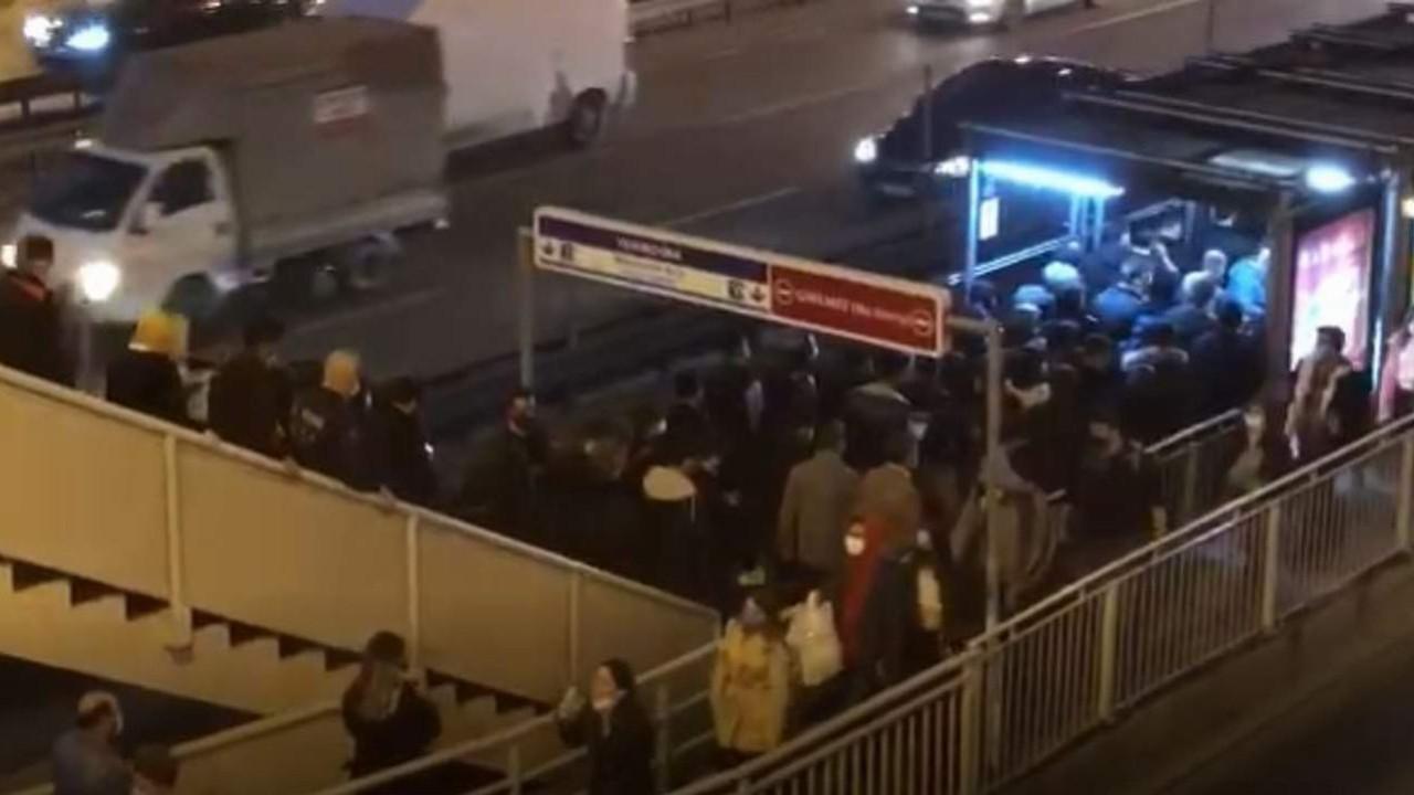 İstanbulluların Metrobüs çilesi kamerada