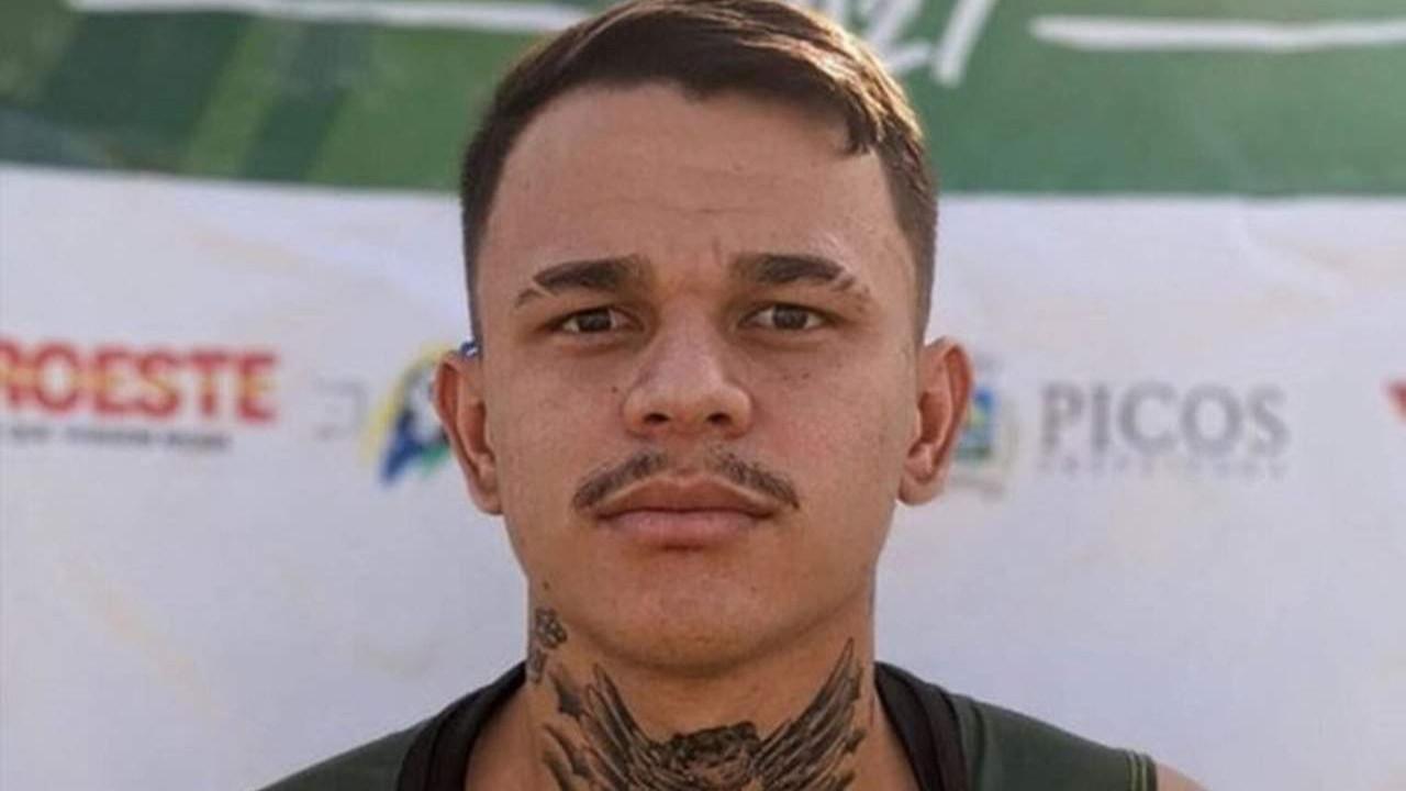 Brezilyalı futbolcu evinde ölü bulundu
