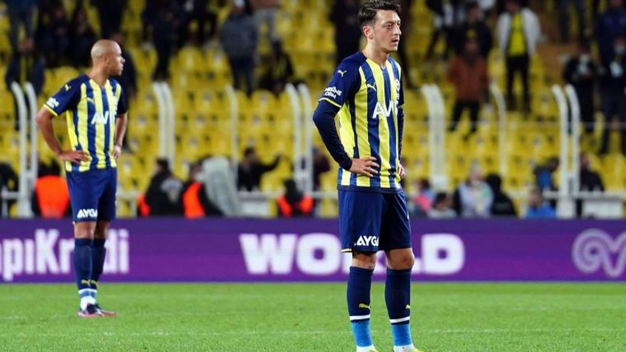Fenerbahçe yenildi, Kadıköy'de ''yönetim istifa'' sesleri yükseldi