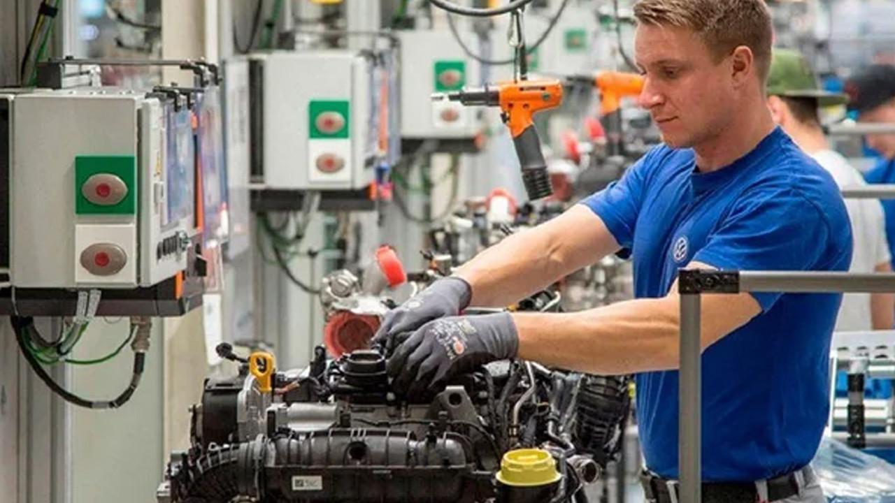 Almanya iş değil, işçi sıkıntısı çekiyor: Yüzbinlerce işçi almaya hazırlanıyor