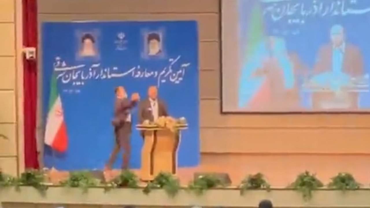 Törende kameralar önünde '''Türkçe konuş'' tokadı