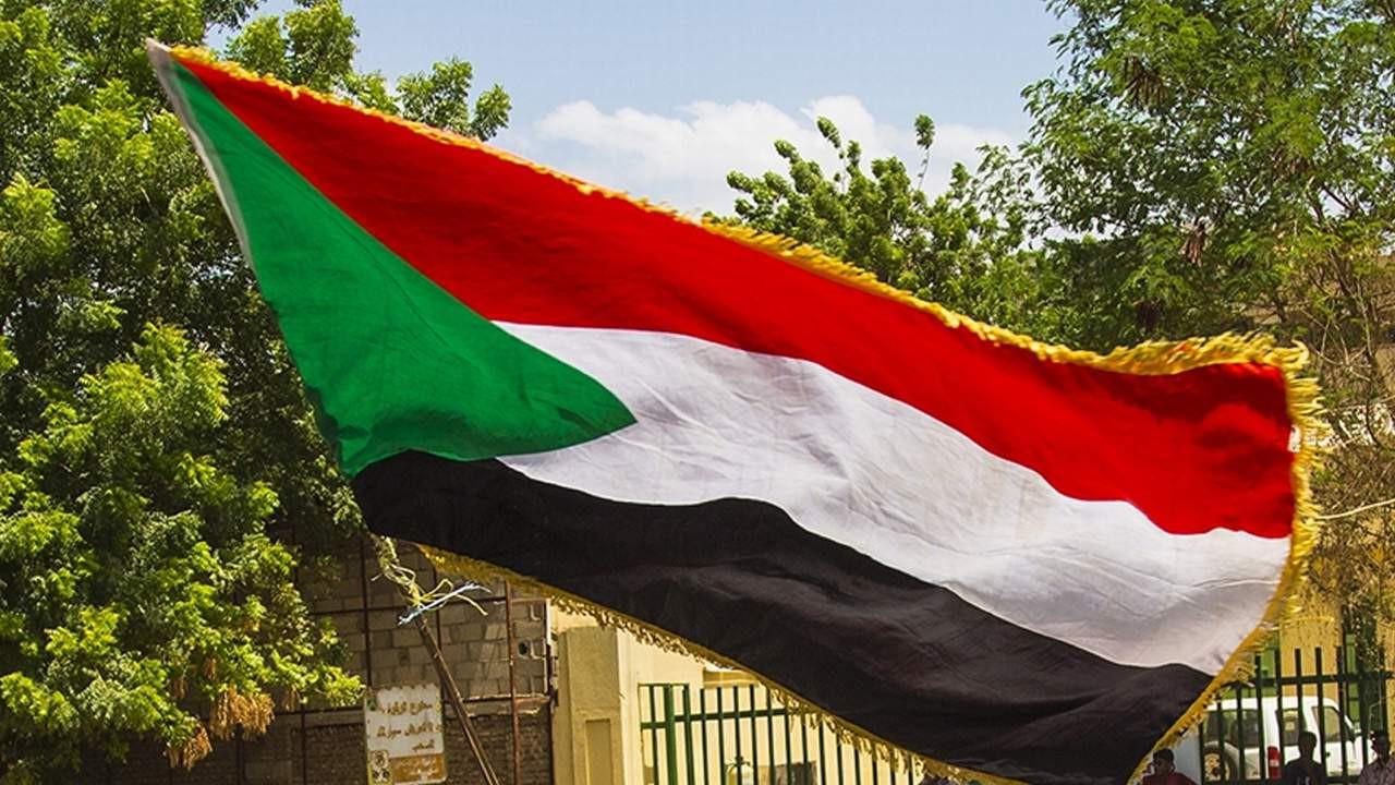 Sudan'da darbe! Parti liderleri tutuklandı