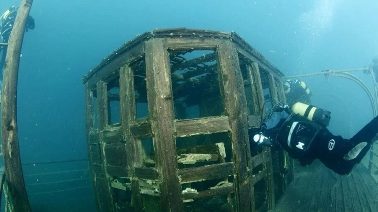 Sırlarla dolu Van Gölü'ndeki kalıntılar dünyaya tanıtılacak