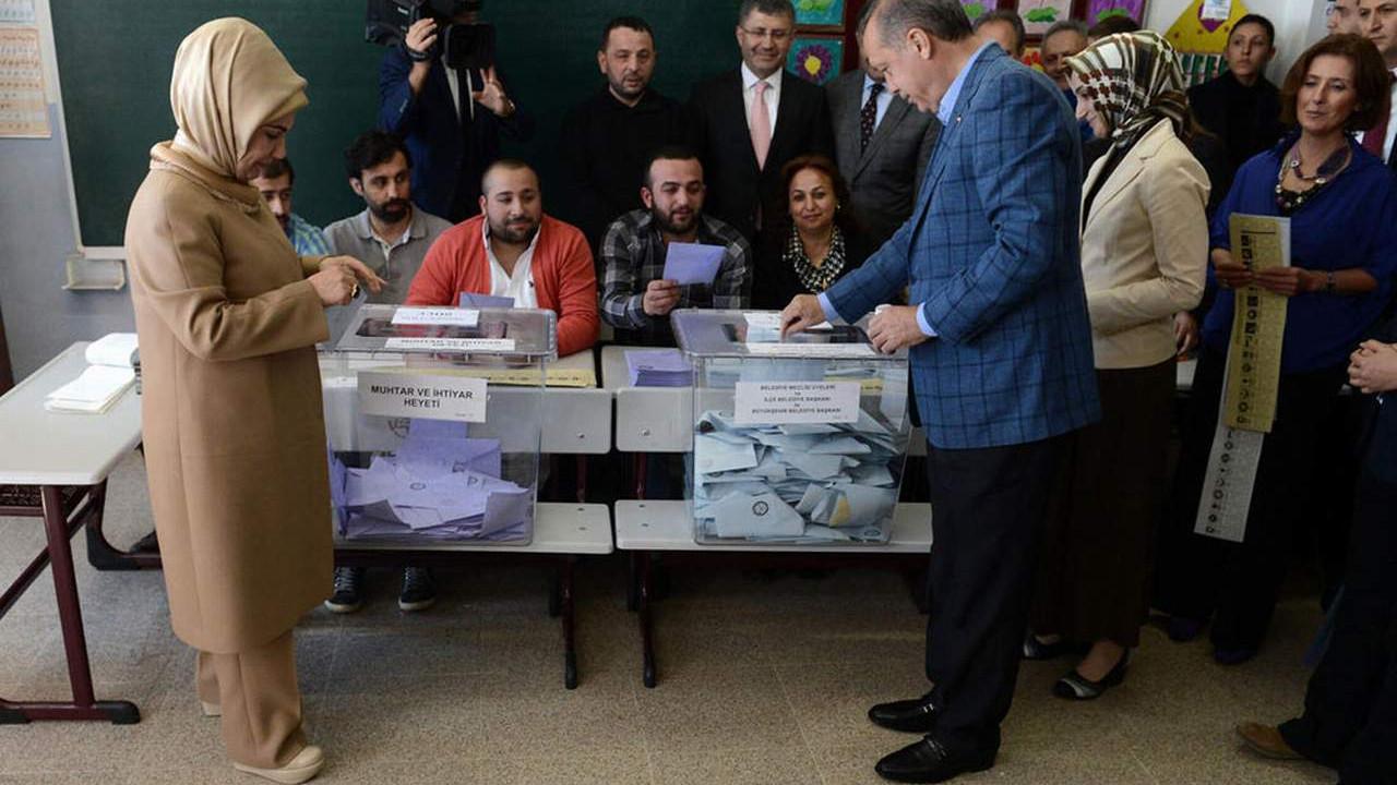 AK Parti'nin eski anketçisi, AK Parti'nin oy kaybını açıkladı