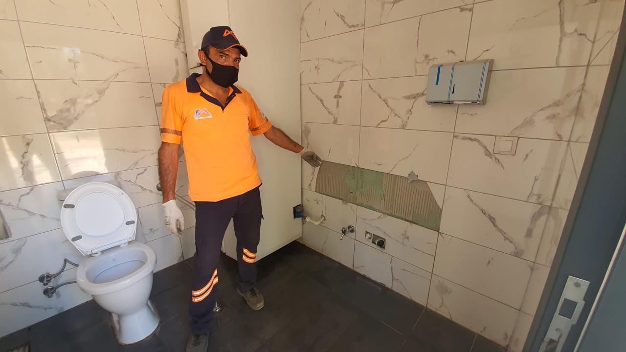 Tarsus'taki tuvaletlere 2 ay içerisinde üçüncü saldırı