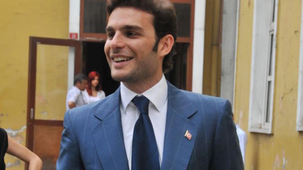 Mehmet Aslan'ın yeni sevgilisini paylaşımı ele verdi