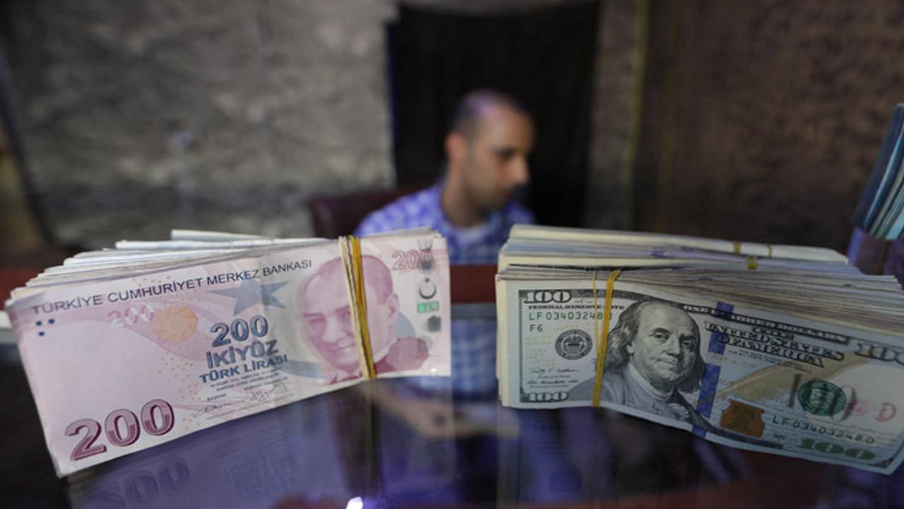 Bir banka daha açıkladı: Dolar/TL için korkutan tahmin