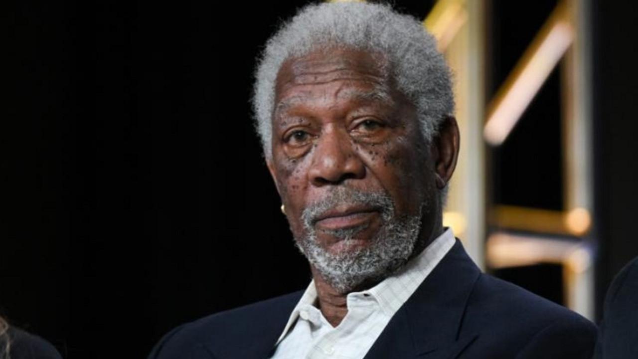 Morgan Freeman, Türk sanatçıyı paylaştı