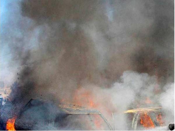 Askeri üsse bombalı saldırı: En az 40 ölü