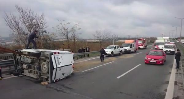 TEM'de kaza: Yol trafiğe kapandı