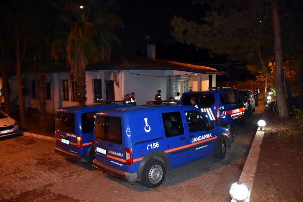 Marmaris'te FETÖ'cü avı: 11 kişi yakalandı