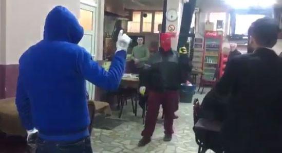 Teröristler İstanbul'un göbeğinde kahvehane bastı