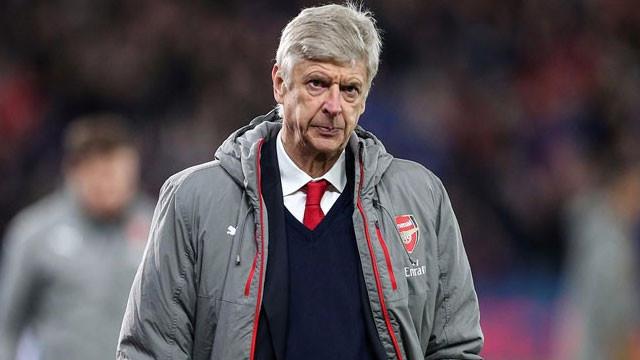 Arsene Wenger'e yaylım ateşi: ''Git artık yeter''