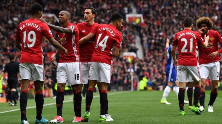 Dev maçta ManU'dan Chelsea'ye darbe !