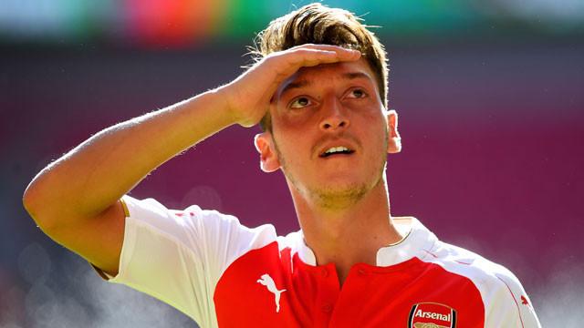Mesut Özil 115 milyon euroyu reddetti