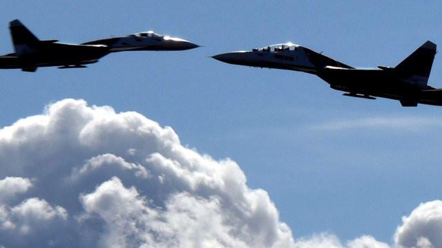 Savaşa ramak kaldı! ABD ile Rus uçakları arasında it dalaşı