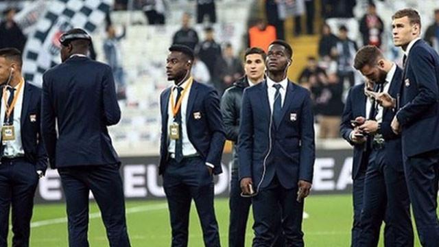 Lyon'lu futbolcular Vodafone Arena'da şok oldu