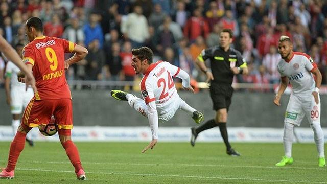 Antalyaspor'a iki şok birden