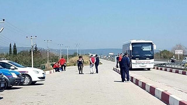 Futbolcuları indirip otobüse el koydular !