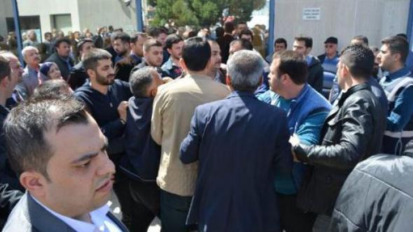 MHP'liler birbirine girdi, kavgaya polis müdahale etti !