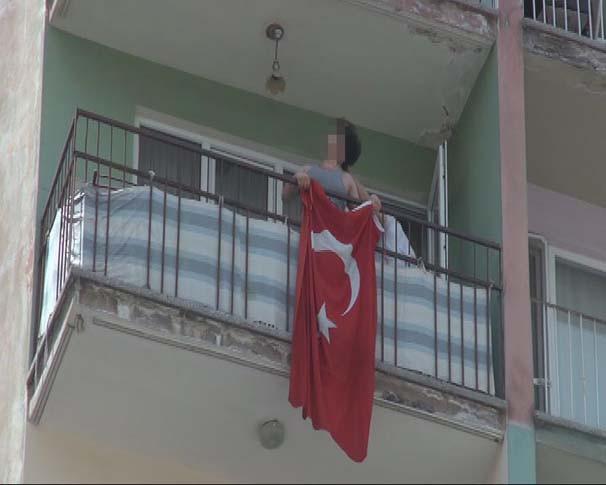 HDP'lilere tepki gösterince saçı çekildi !