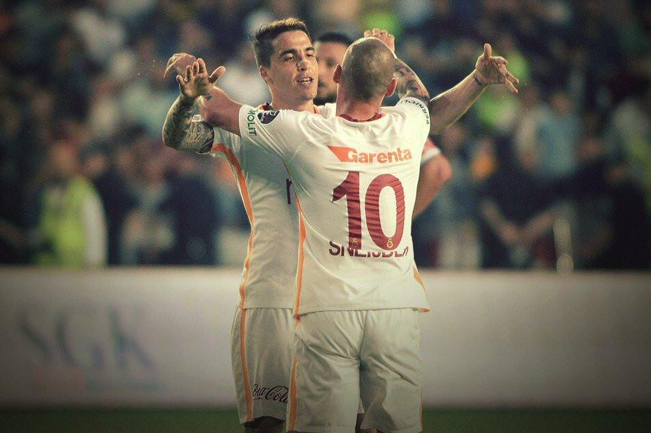 Galatasaray'dan altın değerinde 3 puan !