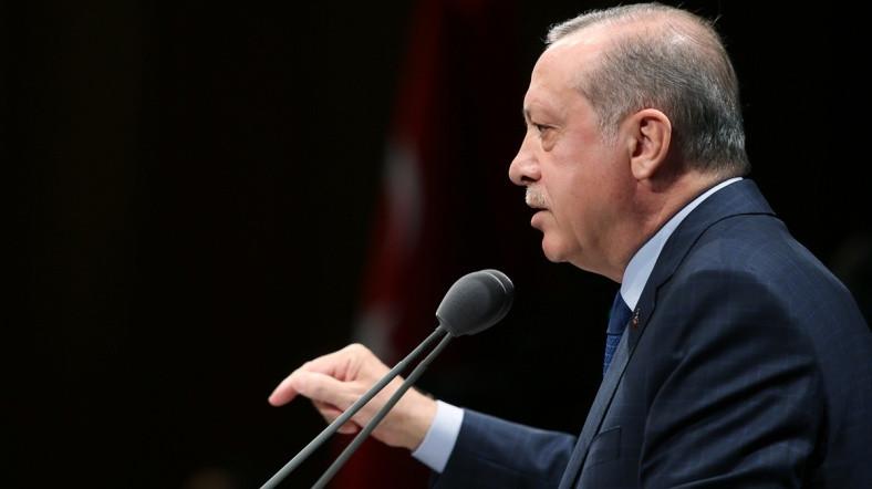 Erdoğan'dan uyarı: ''Bu tabelaları sökün''