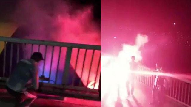 Fenerbahçe bayrağını yaktılar !
